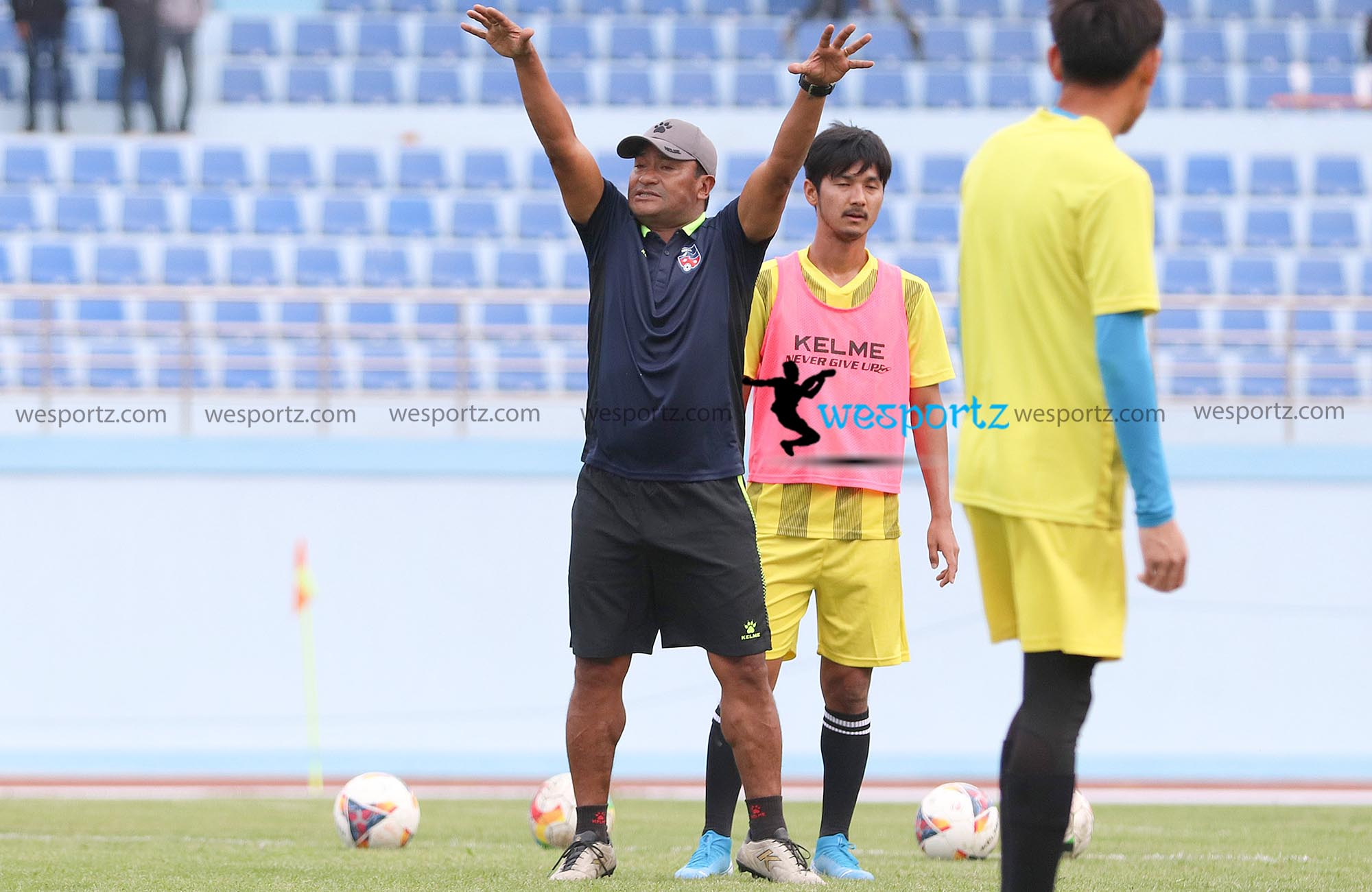 balgopal maharaja coach, balgopal maharaja during training,